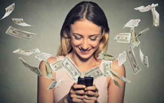 spending-money-advertising-online-woman-phone